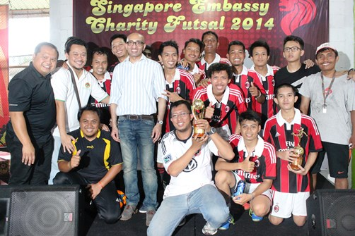 Futsal LDII Juara I Singapore Embassy Charity Futsal Tournament 2014