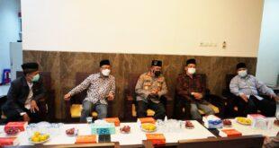 Kunjungan Kapolrestabes Surabaya Kombes Pol. Akhmad Yusep Gunawan dan Dandim 0830/ Surabaya Utara Kolonel Sriyono, di Kantor DPD LDII Kota Surabaya.